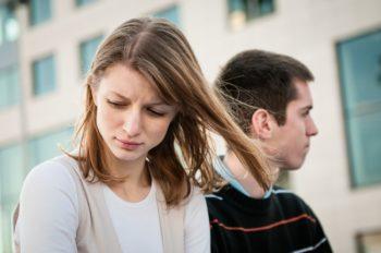 Причины его молчания после свидания: психология отношений